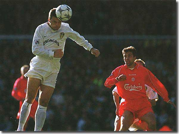 Viduka powers home the second for Leeds