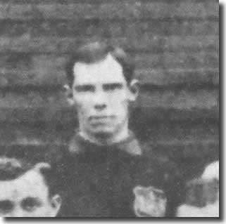 Fred Walker in a Leeds City line up in 1906