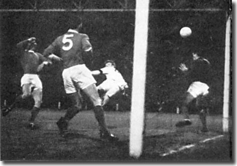 Billy Bremner heads the winner in the 1965 FA Cup semi final