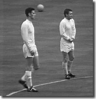 Alan Peacock and Bobby Collins before the 1965 Cup final