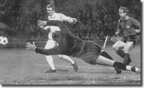 Mick Jones puts Leeds 2-0 ahead in Hanover at the beginning of February