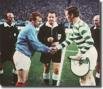 Billy Bremner and Celtic's Billy McNeill shake hands before the start of the semi final second leg at Hampden