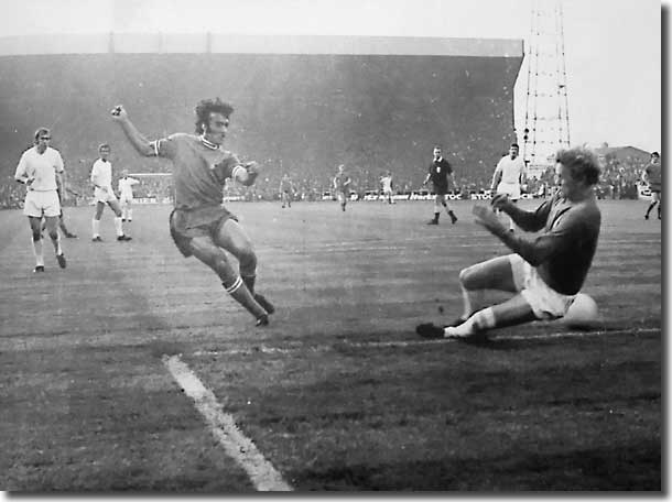 Pietro Anastasi slots Juve's equaliser past Gary Sprake - the Italian had an excellent game at Elland Road