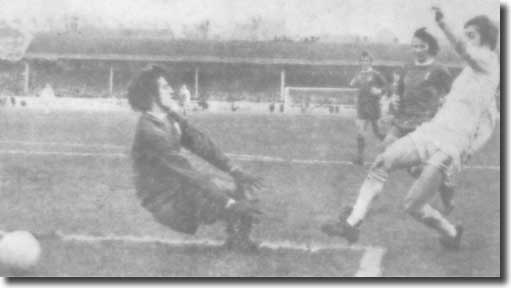 Allan Clarke snatches the second to settle matters