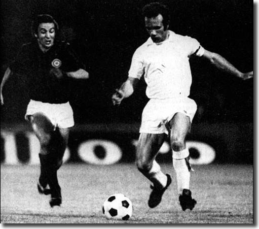 Paul Reaney in action against Luciano Chiarugi