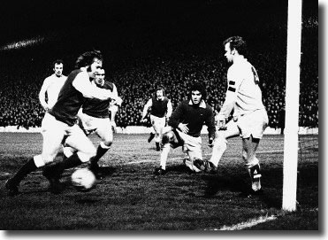 Billy Bremner is on hand to deny another Hibernian attack