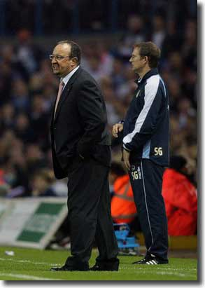 Liverpool manager Rafa Benitez and United boss Simon Grayson during the match