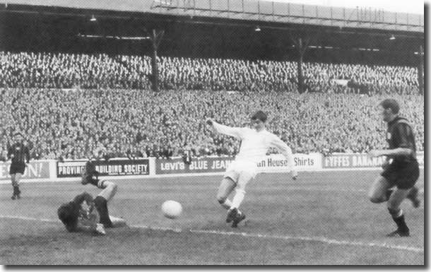 Allan Clarke fires home the only goal of the game against Manchester City