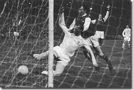 Jack Charlton scores the winner against Arsenal in the penultimate game of 1970-71