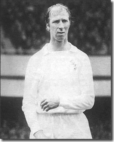 Veteran centre-half Jack Charlton had a difficult game against Liverpool in the League Cup at Elland Road on 22 November - he played only one more first team game prior to April