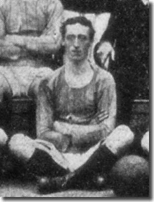 Billy Halligan in a City team group in 1909