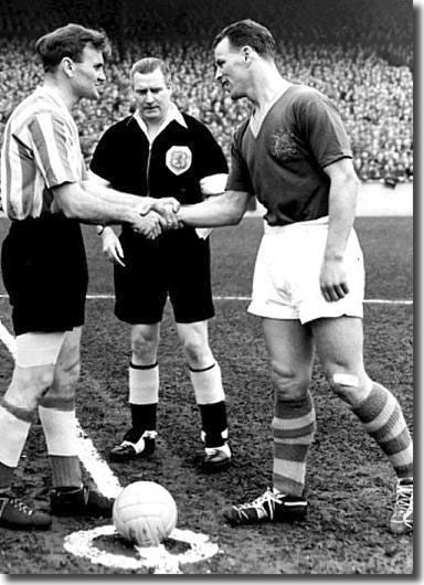 Don Revie and John Charles shake hands as the captains of Sunderland and Leeds in April 1957, the Welshman's farewell appearance for Leeds