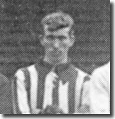 Edward McDaniel in a Leeds City team group in 1911