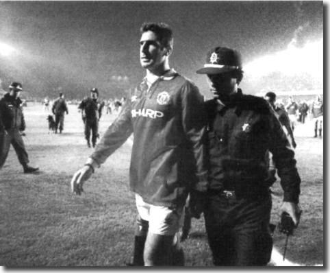 Cantona sent off Istanbul