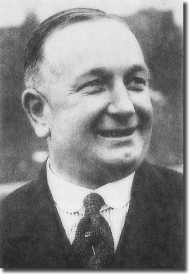 Herbert Chapman bade a temporary farewell to Elland Road suring the summer of 1916