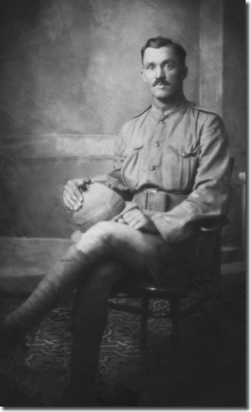 Morris pictured in uniform in Mesopotamia at the end of the  conflict in 1918
