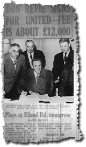The Yorkshire Evening Post 28 November 1958 - Revie signs for Leeds watched by club directors and manager Bill Lambton