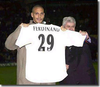 Rio Ferdinand with Peter Ridsdale when he joined Leeds