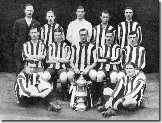 The Sheffield United side that beat Chelsea to win the FA Cup in the Khaki Cup final in 1915 - goalkeeper Harry Gough is in the middle of the back row