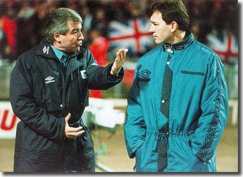 Terry Venables in conversation with Bryan Robson during his short period in charge at Middlesbrough