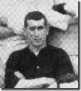 Tom McAllister in a Leeds City team group in 1908